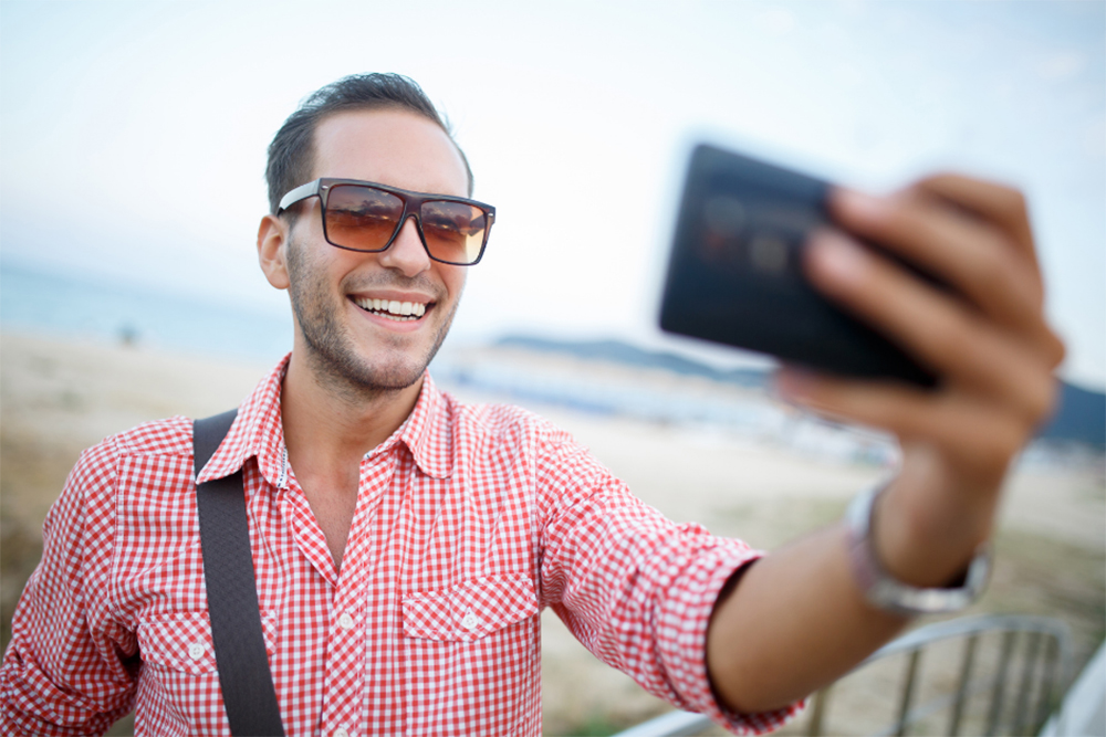 How To Take A Good Selfie - 5 Flawless Tips